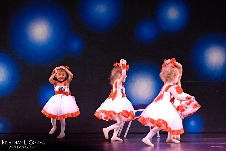 ava-recital-friends-on-stage
