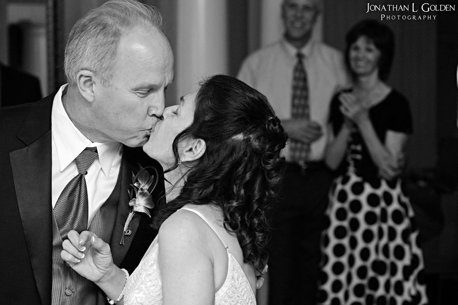 deborah-and-keith-wedding-plaza-club-kissing-after-toast
