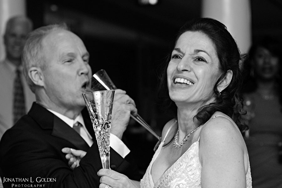 deborah-and-keith-wedding-plaza-club-champagne-fun