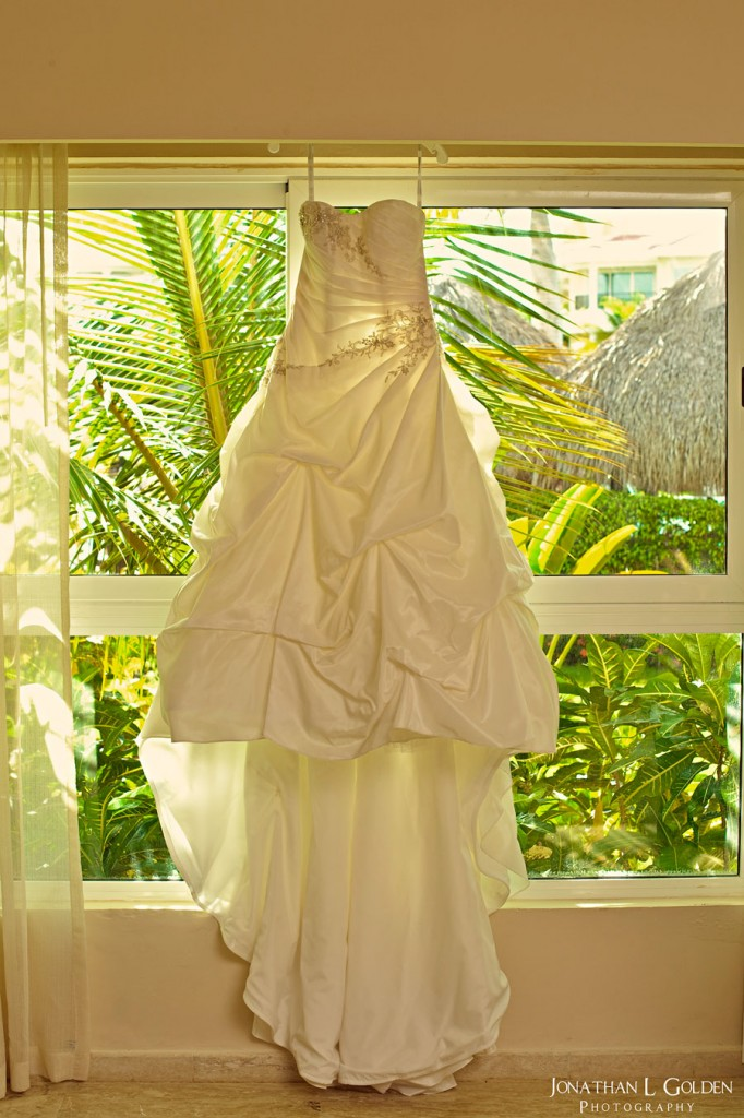 destination-wedding-photography-wedding-dress