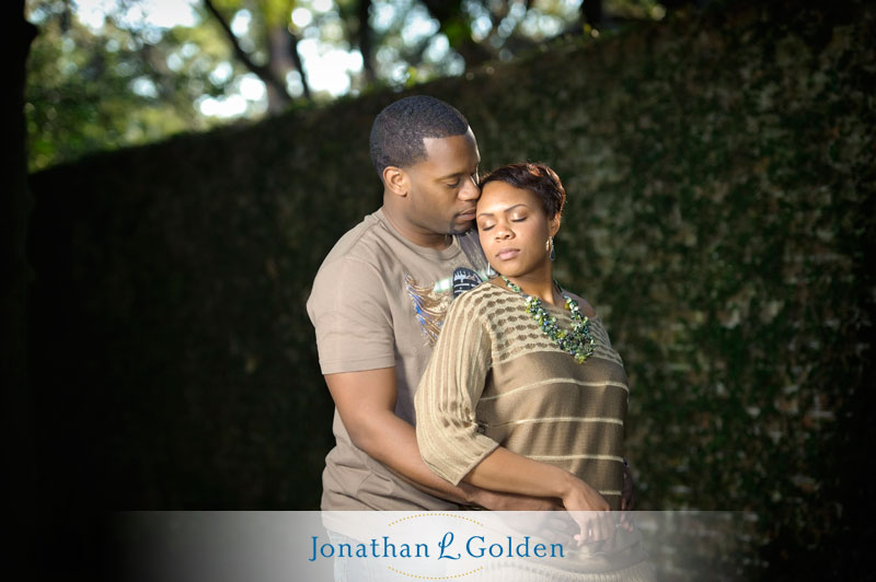 houston-engagement-pictures-couple-intimate