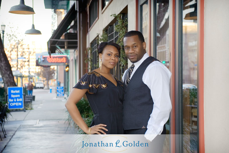 houston-engagement-pictures-couple-downtown